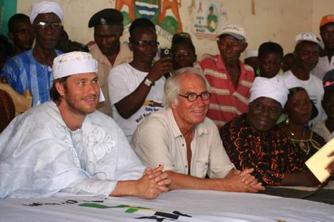 Tijdens de ceremonie in het noorden van Sierra Leone
